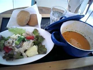 beret-lunch.jpg